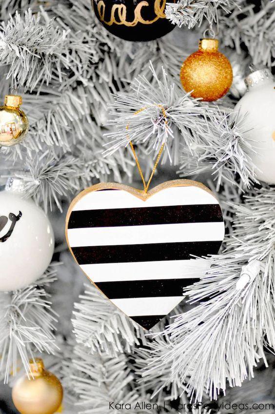 Ασπρόμαυρη Χριστουγεννιάτικη διακόσμηση! Μοντέρνες και κομψές ιδέες για έναν εντυπωσιακό στολισμό
