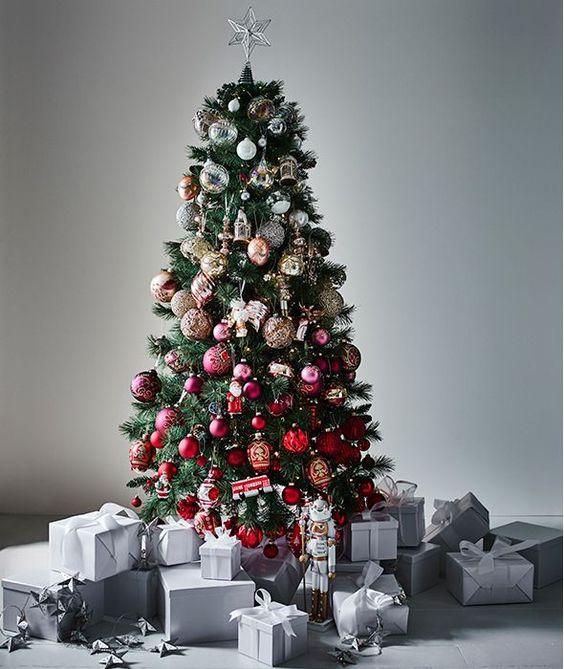 Εντυπωσιακές ιδέες για έτοιμα και DIY Ombre Χριστουγεννιάτικα δέντρα