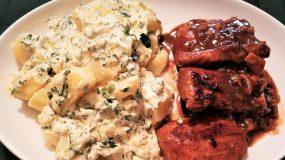 Ψαρονέφρι με πικάντικη σάλτσα και πατατοσαλάτα αρωματική