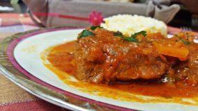 Μαγειρεύοντας με την Αρετή: Μοσχαράκι κοκκινιστό