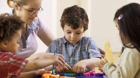 Τι είναι η πρώιμη παρέμβαση, σε τι βοηθάει και σε ποια παιδιά γίνεται;