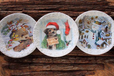 Φτιάξτε υπέροχα decoupage με μοναδικά Χριστουγεννιάτικα σχέδια με ύφασμα και διακοσμήστε τα πιάτα σας!