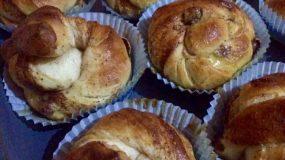 Κάνελ μπούλαρ: Τα ανατολίτικα τσουρεκάκια με ζάχαρη και κανέλα