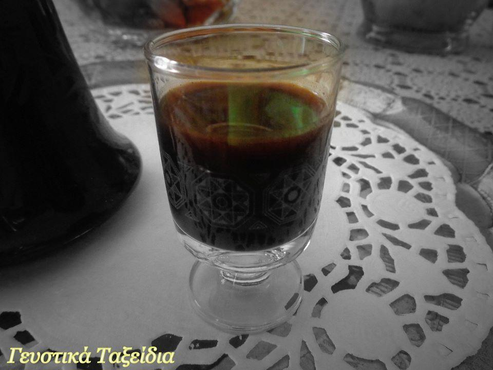 Υπέροχο Λικέρ καφέ για τις γιορτινές μέρες με 4 υλικά!