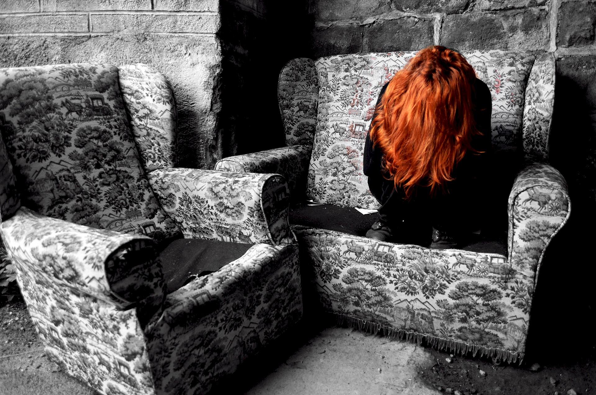 """""""Η εφηβεία είναι ένα τέρας που γεννιέται μέσα του και παλεύει να νικήσει. Κατανόησε τον και μείνε δίπλα του"""""""