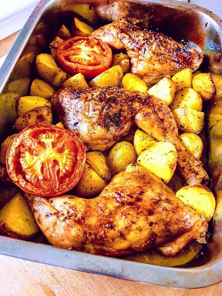 Μπουτάκια κοτόπουλο στο φούρνο με πατάτες και χυμό πορτοκάλι
