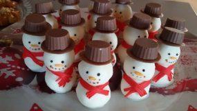 Υπέροχα σοκολατάκια χιονάνθρωπος με ινδοκάρυδο και λευκή σοκολάτα