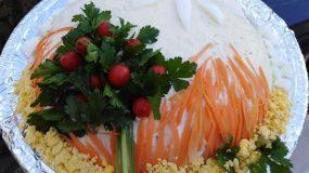 Εντυπωσιακή κοτοσαλάτα για το γιορτινό τραπέζι