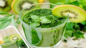 Το smoothie που ανακουφίζει το στομάχι σου όταν τρως παραπάνω