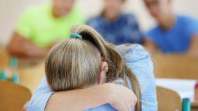 Οι λόγοι που το διάβασμα για το σχολείο ΔΕΝ πρέπει να γίνεται με πίεση