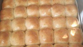 Αφράτα και λαχταριστά ψωμάκια τύπου brioche ιδανικά για κολατσιό