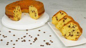 Υγιεινό και εύκολο κέικ πορτοκαλιού με ελαιόλαδο καστανή ζάχαρη και σοκολάτα
