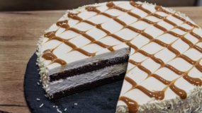 Πεντανόστιμη Τούρτα Καραμέλα σε 5 λεπτά - Caramel Mousse Cake in 5'