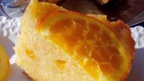 Σιροπιαστό κέικ πορτοκαλιού χωρίς γάλα, με λίγα υλικά