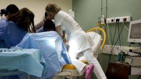 «Κριστέλερ» : Η σκληρή ιατρική μέθοδος τοκετού εφαρμόζεται και στην Ελλάδα και έχει οδηγήσει γυναίκες στο θάνατο