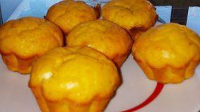 Αλμυρά muffins με φέτα, καρότα και κουρκουμά