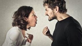 """Ζήλεια στη σχέση: Πότε και γιατί ξεπερνάει τα όρια του """"φυσιολογικού"""""""