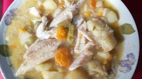 Ψαρόσουπα με μπακαλιαρο και λαχανικα ιδανική για παιδιά