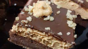 Πάστα ταψιού καραμέλα με γκανάζ σοκολάτας