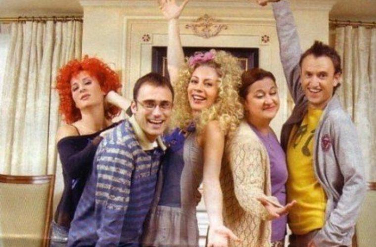 «Παρά Πέντε»: Ξανά μαζί και οι πέντε πρωταγωνιστές της σειράς! (εικόνα)