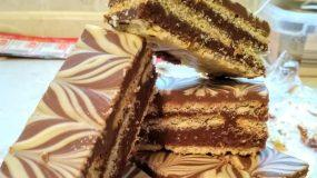 Σπιτικές γκοφρέτες με τρεις διαφορετικές σοκολάτες, μπισκότα και φυστικοβούτυρο!