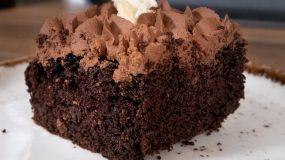 Αφράτη νηστίσιμη σοκολατόπιτα βήμα βήμα