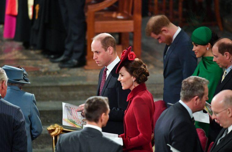 Αγένεια Γουίλιαμ σε Χάρι: Φανερά στεναχωρημένος ο πρίγκιπας με τον αδερφό του (εικόνες)