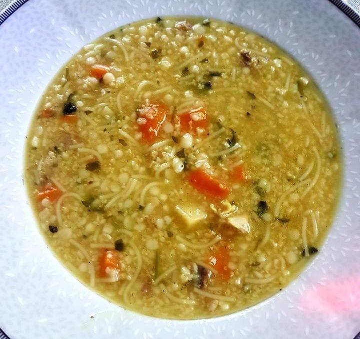 Θρεπτική σούπα κεφαλάκι με γλυκοπατάτα καρότο και τραχανά!