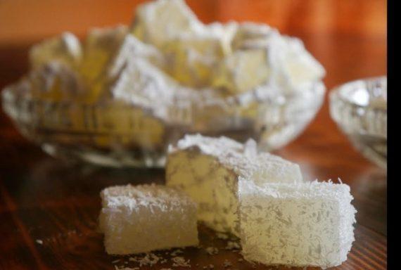 Συνταγή για παραδοσιακά λουκούμια με ινδοκάρυδο χωρίς ζελατίνη