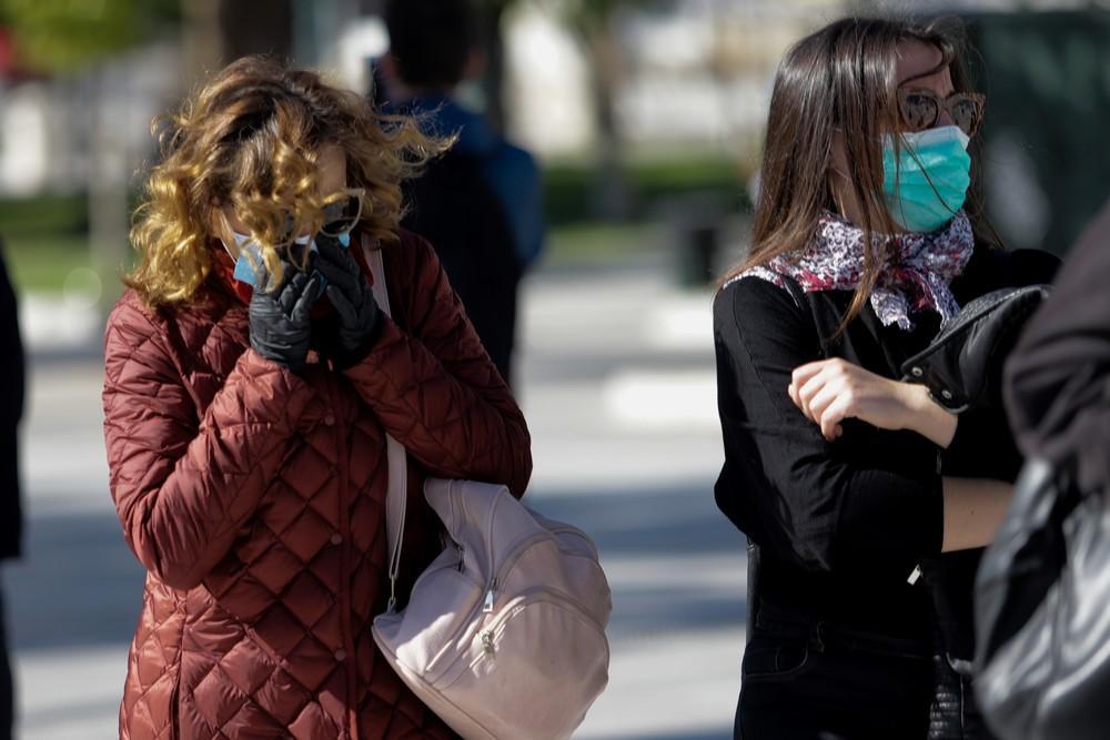 Κορονοϊός: Τι να κάνετε αν εσείς ή μέλος της οικογένειας εμφανίσει συμπτώματα-Αναλυτικές οδηγίες από τον Ιατρικό Σύλλογο Αθηνών