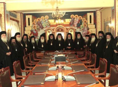 Η Ιερά Σύνοδος πρόκειται να κλείσει τις εκκλησίες λόγω κορονοϊού