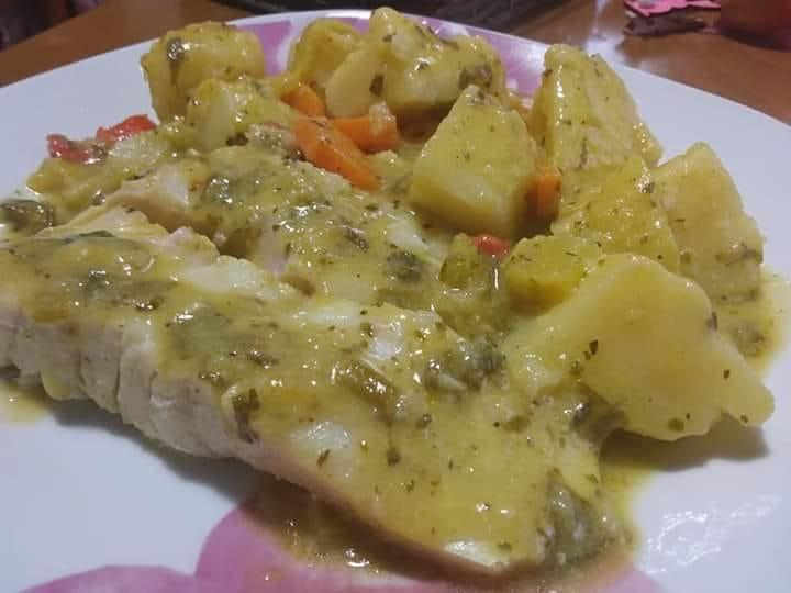 Πέρκα με πατάτες, πιπεριές και σάλτσα μουστάρδας!