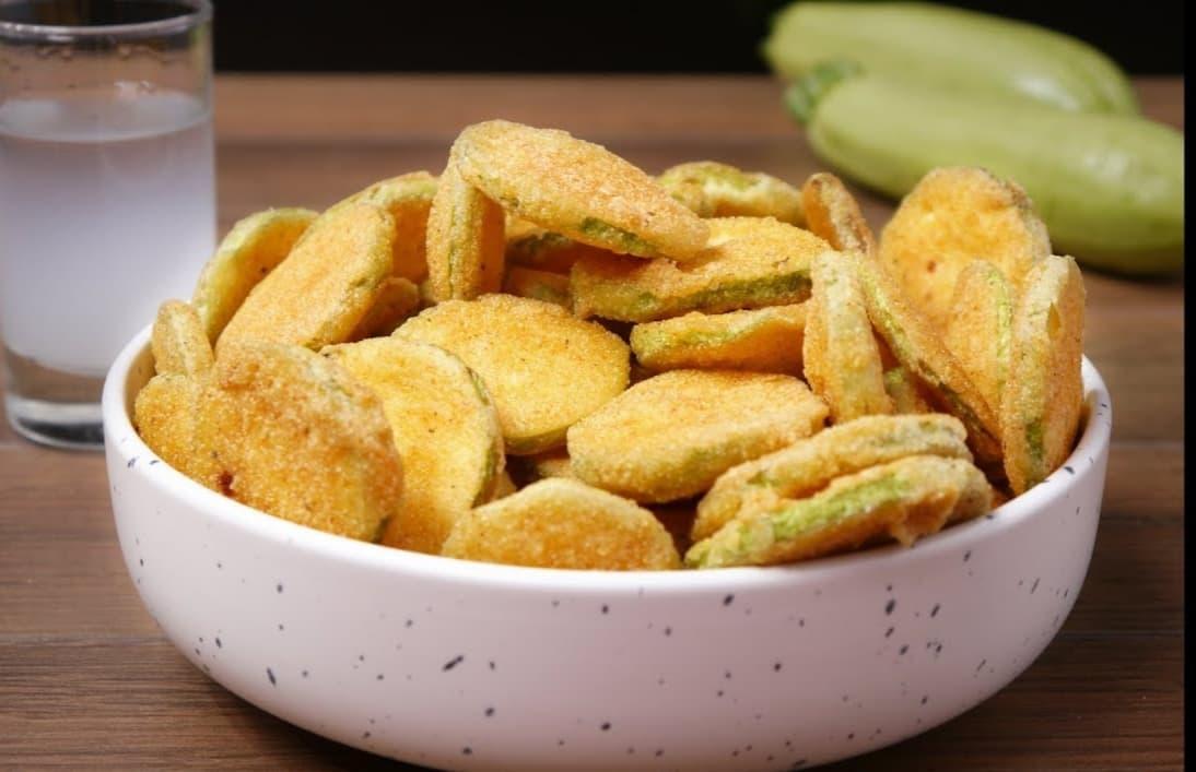 Επαγγελματική συνταγή για τραγανά κολοκυθάκια σαν πατατάκια!