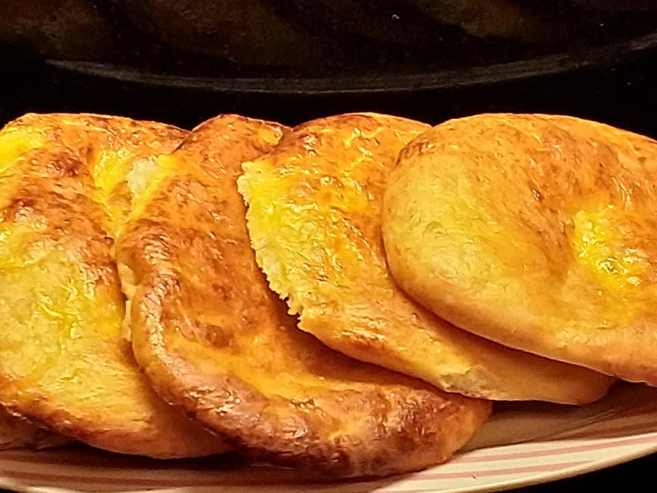 Πιτάκια στο φούρνο με γιαούρτι! Ένα υγιεινό και εύκολο κολατσιό