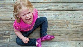 7 Τρόποι να αντιμετωπίσετε τα ξεσπάσματα του παιδιού τώρα που βρίσκεται σε καραντίνα