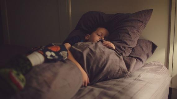 Ακόμη και στην καραντίνα τα παιδιά πρεπει να κοιμουνται στις 9! - Δες τους λόγους