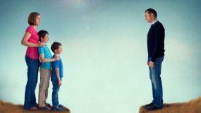 Η νέα σύζυγος του πρώην άντρα μου φέρεται άσχημα στα παιδιά μας - Αναγνώστρια ζητάει τη συμβουλή μας