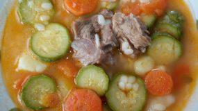 Σούπα μοσχάρι με πεπονάκι και λαχανικά ιδανική για μωρά