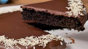 Λαχταριστή σοκολατόπιτα OREO με 3 υλικά χωρίς μίξερ