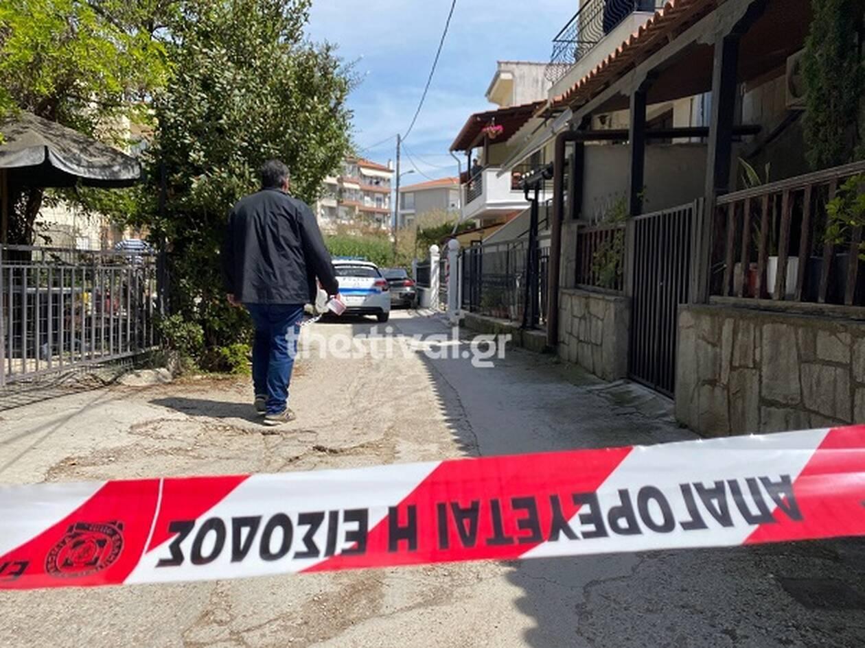 """""""Τον πηγαίναμε σε ψυχιάτρους, δεν πήγαινε άλλο. Φοβόμουν για την οικογένειά μου""""-Όσα είπε ο πατέρας που σκότωσε το γιο του στη Θεσσαλονίκη"""