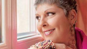 Συγκλονιστική Λένα Μαντά: «Λέμφωμα στομάχου. Ήρθαν οι χημειοθεραπείες, έφυγαν τα μαλλιά…»
