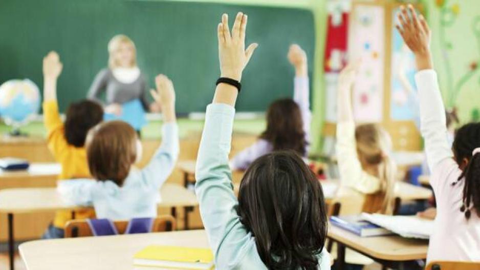 Ζωντανή αναμετάδοση μαθημάτων μέσω κινητού στους μαθητές- Οι αντιδράσεις της ΟΛΜΕ