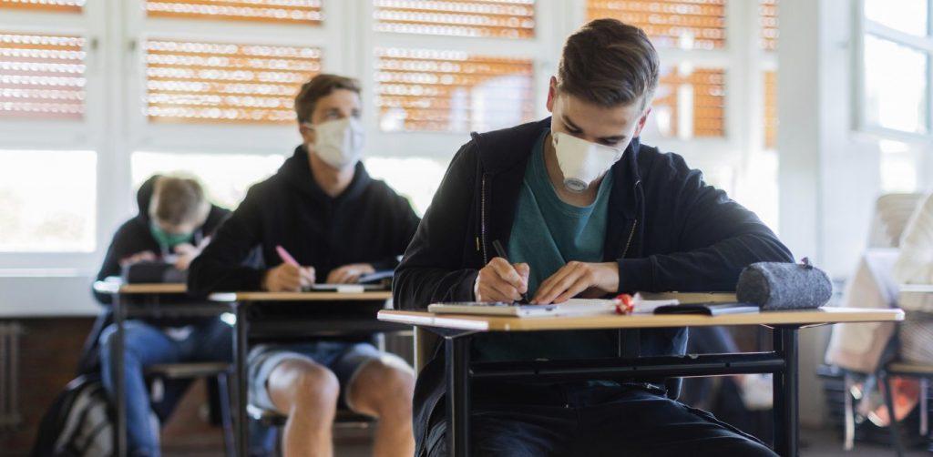 Το Υπ. Παιδείας απαντά σε 37 πιο συχνές ερωτήσεις των γονέων για τα σχολεία- Σας αφορά