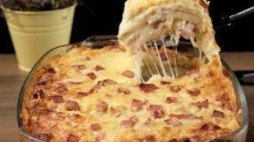 Πανεύκολο σουφλέ με ψωμί του τοστ, πατάτες, ζαμπόν και διάφορα τυριά!