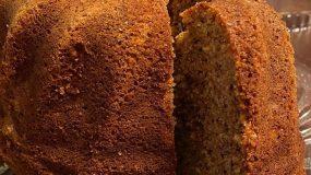 Αφράτο κέικ καρότου με καρύδια και κανέλα