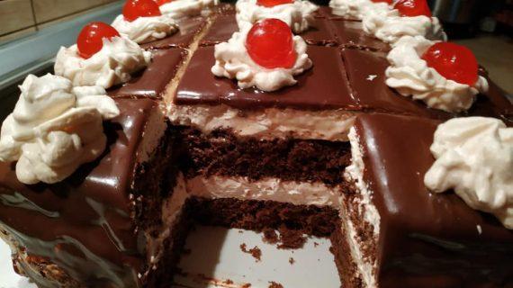 Συνταγή για πάστα ταψιού με σιρόπι και γλάσο σοκολάτας