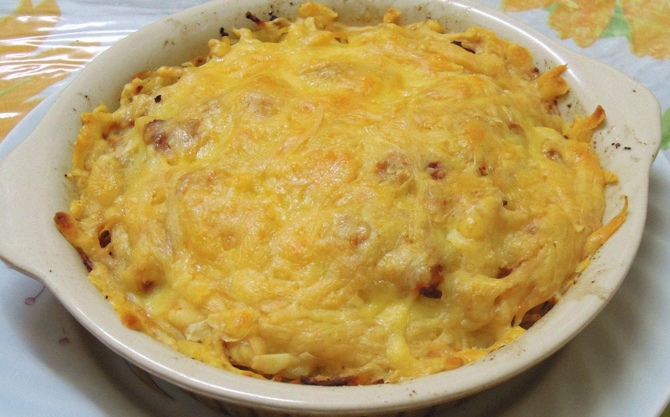 Μακαρόνια φούρνου στο πήλινο με κιμά και λιωμένο τυρί βήμα βήμα