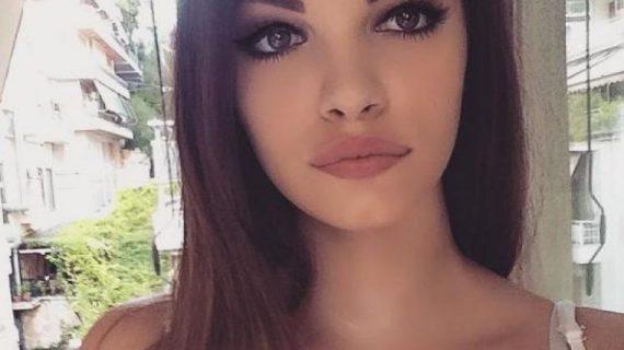 Η πανέμορφη εγγονή της Τζένης Καρεζη είναι ζευγάρι με Έλληνα τραγουδιστή