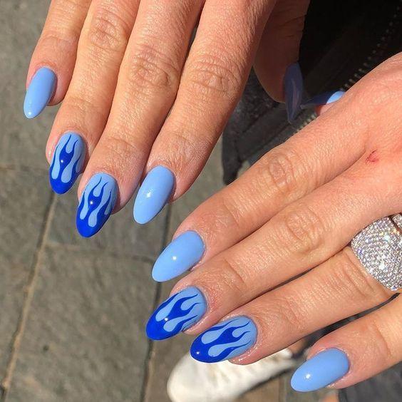 Νύχια Αυγούστου: Το μπλε θα κυριαρχήσει στο μανικιούρ τον Αύγουστο του 2020! - Δες 15 μοντέρνα σχέδια