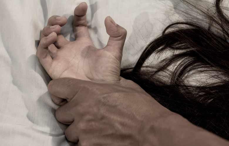 13 χρονη κατήγγειλε το θείο της για βιασμό